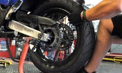 Quanto cambiare i pneumatici della moto